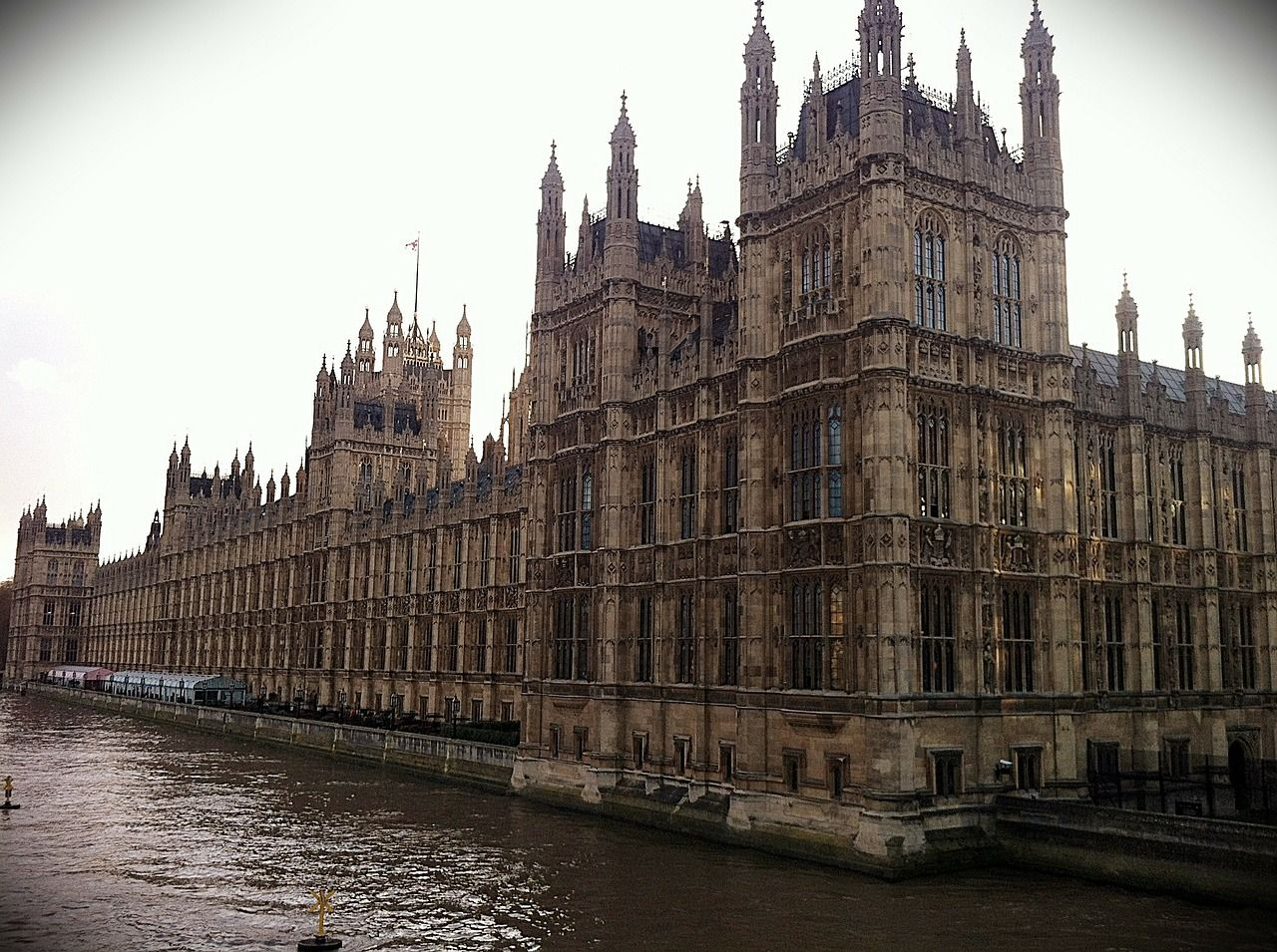 Case-Studies Parliament - Bentley Hurst